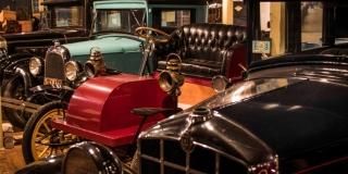 Canadian Gallery - Canadian Automotive Museum